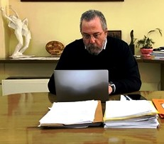 "Aνακοίνωση του Δημάρχου Καισαριανής: ""… η πρόληψη αποτελεί τον σημαντικότερο παράγοντα άμυνας έναντι κάθε ιού καθώς και η συνεχής τήρηση των βασικών κανόνες υγιεινής"""